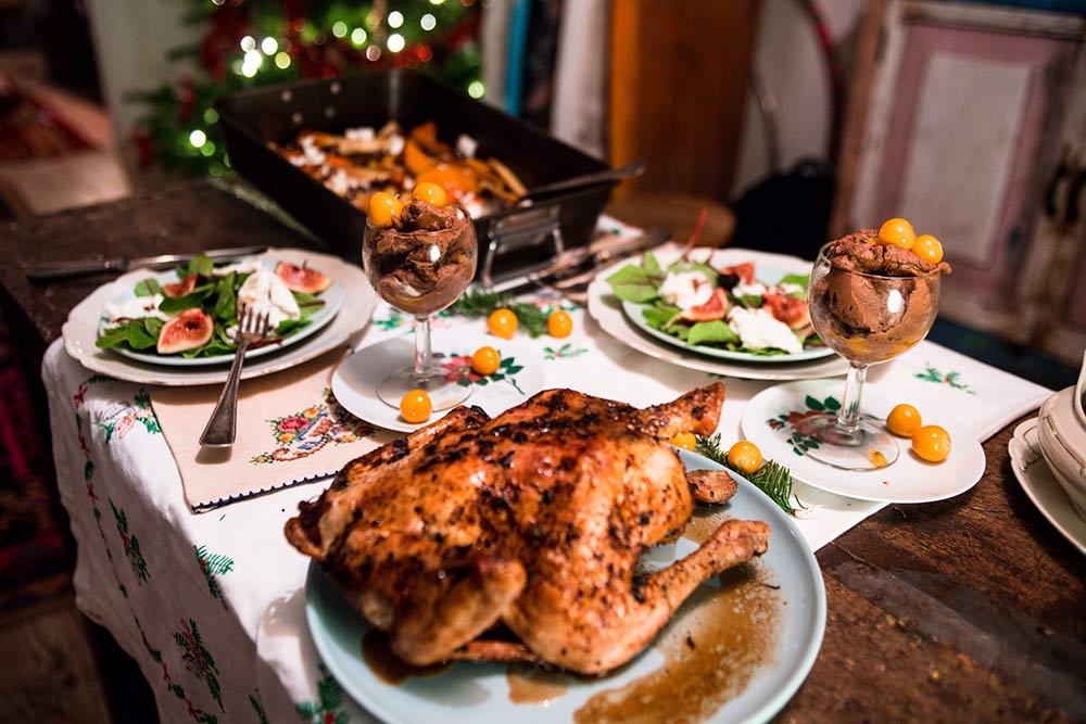 Kip met citroen en salie uit de oven en geroosterde groenten (kerstmenu)